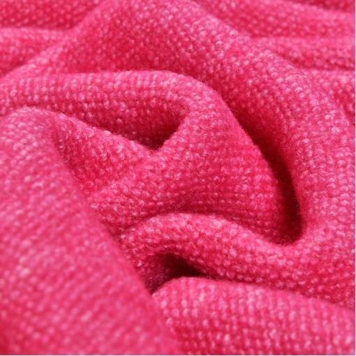 Пальтовый шерстяной трикотаж малинового цвета