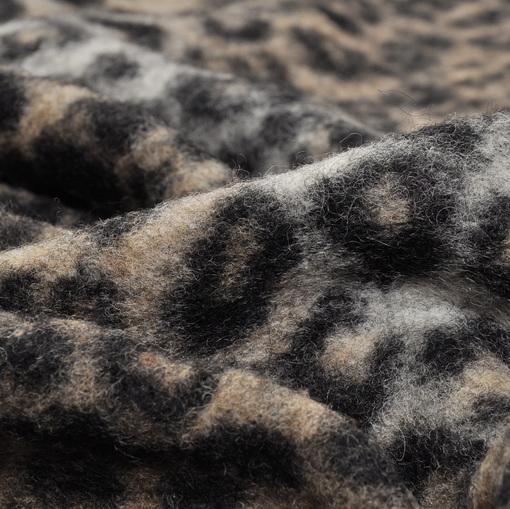 Лоден с рисунком рыси в серо-бежевых тонах