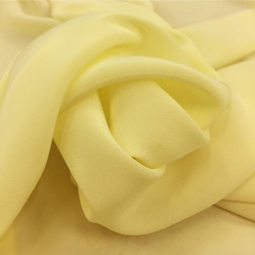 Шелк креповый непрозрачный лимонно-разбеленного цвета