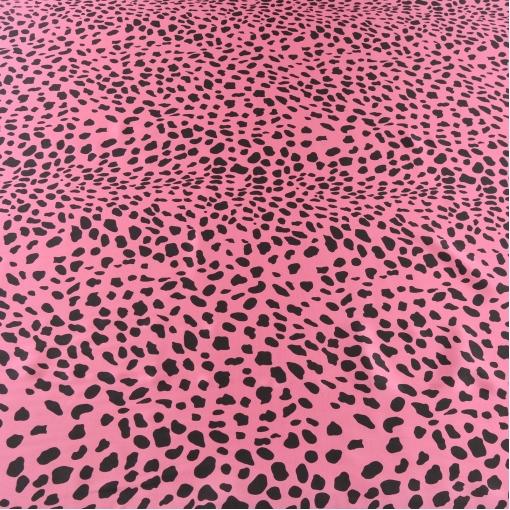 Шелк атлас розовый с черными пятнами леопард