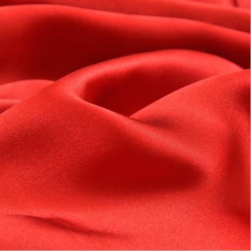 Шелк атласный кроваво-красного цвета