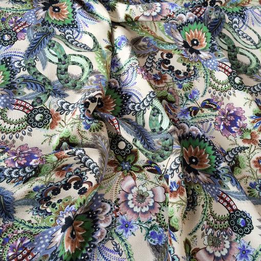 Вискоза плательная принт Rochas сине-зеленые цветы на бежевом фоне