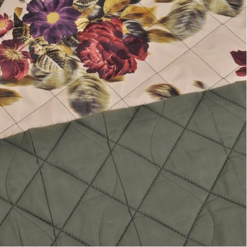 Курточная стеганная двухсторонняя с цветочным рисунком и болотной подкладкой