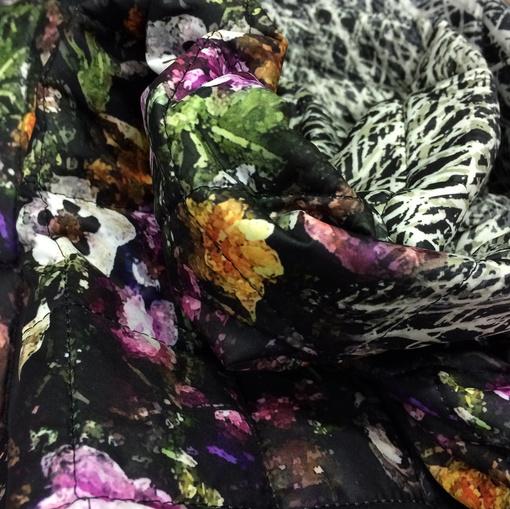 Ткань курточная стеганная продольный купон принт Blumarine