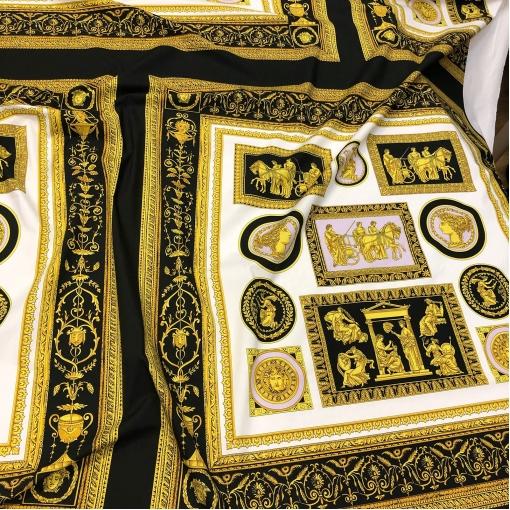 Хлопок Versace принт черно-золотой платок с сиреневыми вкраплениями