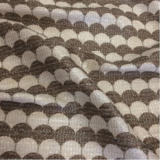 Жаккард нарядный шерстяной принт Ferragamo коричнево-молочного цвета с прозрачным люрексом