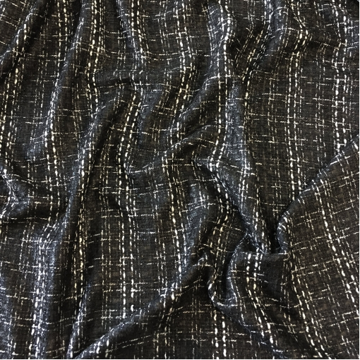 Шанель нарядная в черно-белых тонах с черным элегантным люрексом