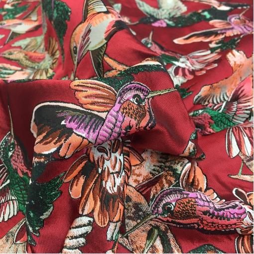 Жаккард нарядный дизайн Pinko колибри на красном фоне