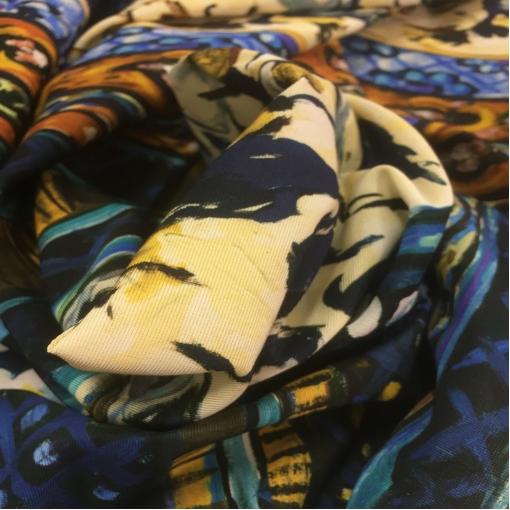 Ткань нарядная типа репс купон Ferragamo в синих тонах