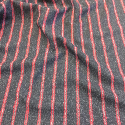 Ткань костюмная шерстяная стрейч Ferragamo черного цвета с красной полосой