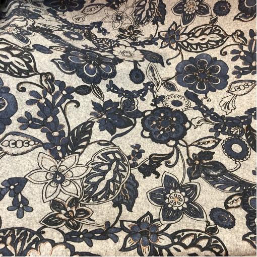 Ткань костюмная шерстяная принт Blumarine синий узор на средне-сером фоне