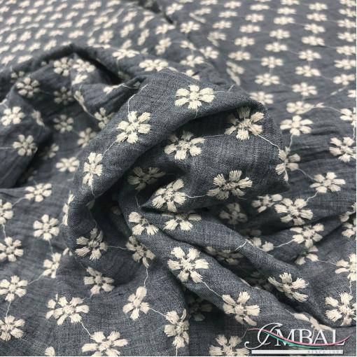 Лен с вискозой мягкий дизайн Blumarine вышитый серо-голубого цвета