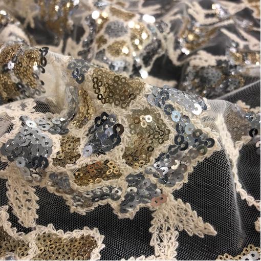 Сетка белого цвета нарядная дизайн Blumarine вышивка с мелкими кольцевыми пайетками