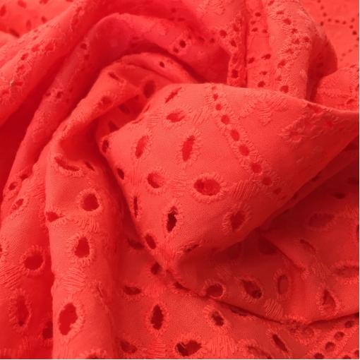 Кружево хлопковое вышитое ярко-кораллового цвета