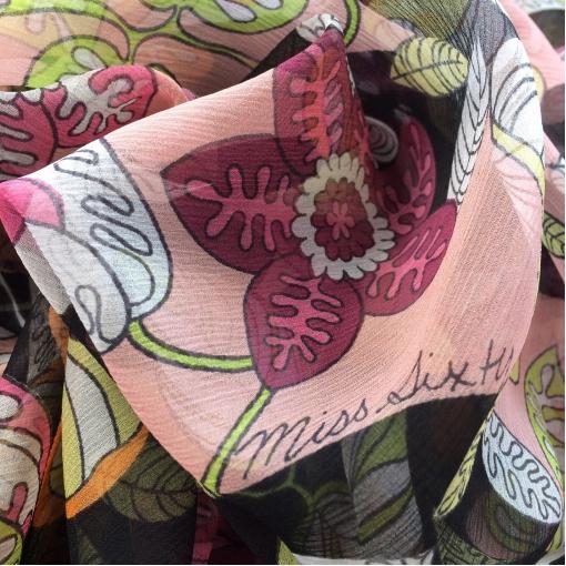Шелк шифон креш принт Miss Sixty черные цветы на розовом фоне