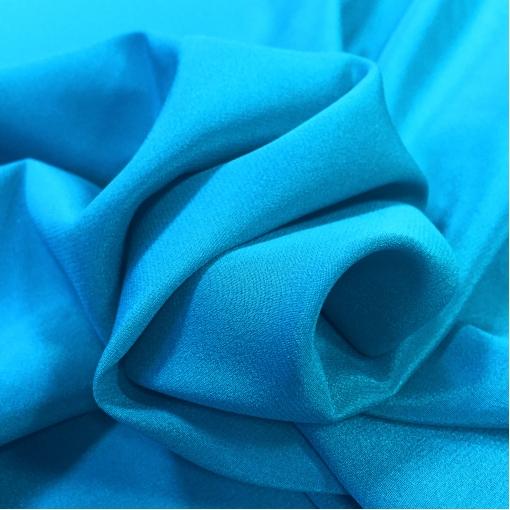 Шелк креповый ярко-голубого цвета