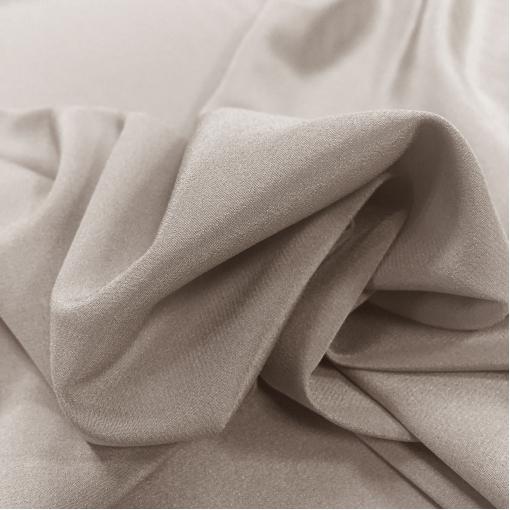 Шелк креповый серо-бежевого цвета