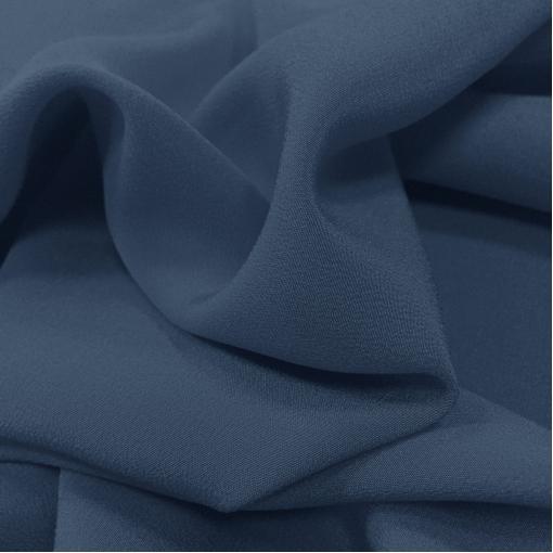 Шелк креповый средне-синего цвета