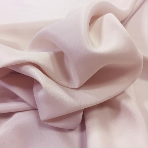 Шелк креповый нежно-розового цвета