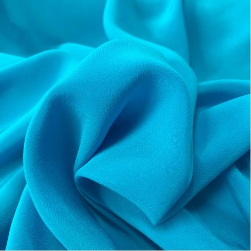 Крепдешин шелковый ярко-голубого цвета