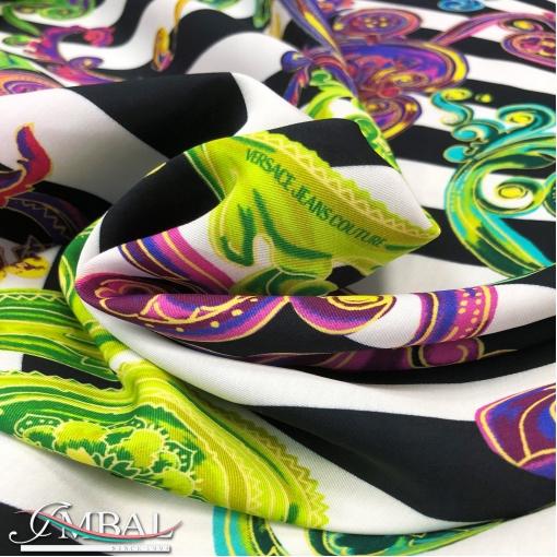 Вискоза плательная принт Versace черно-белые полоски с разноцветными вензелями