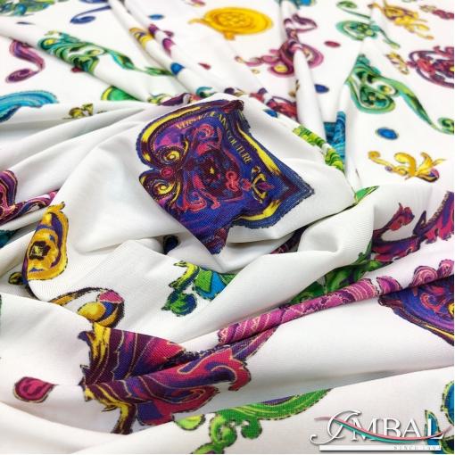 Трикотаж вискозный скользкий стрейч дизайн Versace вензеля на молочном фоне
