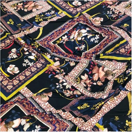 Трикотаж вискозный стрейч дизайн Elisa Fanti платки и цветы в сине-малиновой гамме