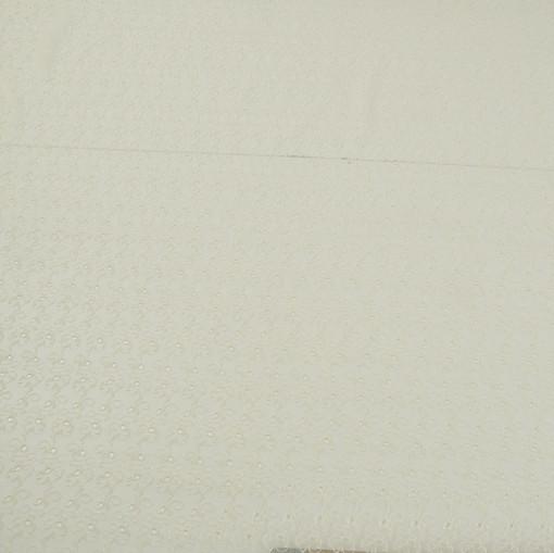 Шелковый шифон вышитый вискозной нитью