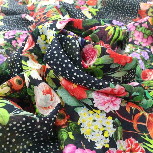 Шелк с коттоном принт Gucci горошек и цветы