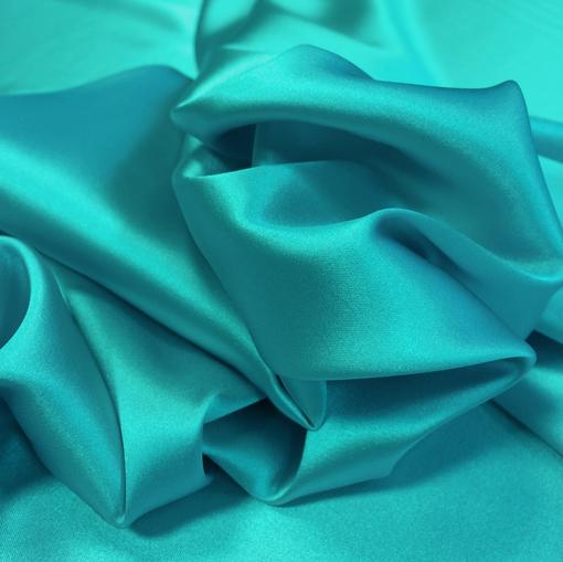 Шелк атласный бирюзового цвета