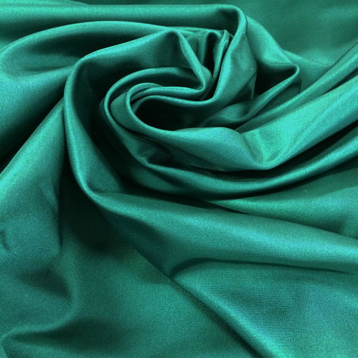 Шелк костюмный изумрудного цвета с отливом