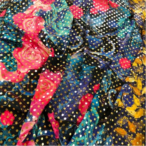 Хлопок тонкий нарядный принт Ferragamo розы и абстракция с золотыми горошками