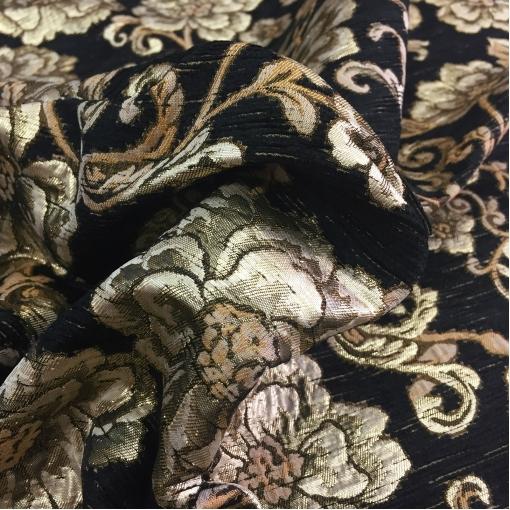 Жаккард костюмный Dolce&Gabbana цветы расшитые люрексом