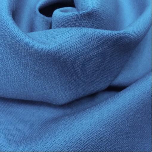 Ткань костюмная шерстяная стрейч Valentino ярко-голубого цвета с отливом