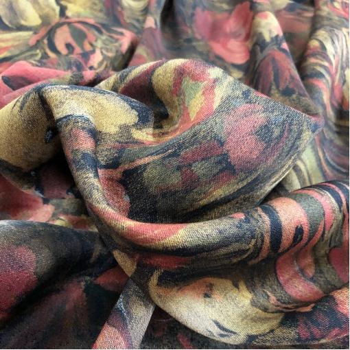Ткань костюмно-плательная дизайн Armani размытые цветы в красно-горчичных тонах