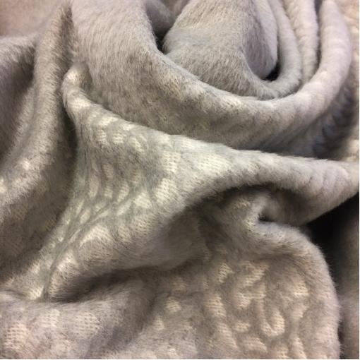 Ткань пальтовая с мелким ворсом светло-серого цвета с купоном