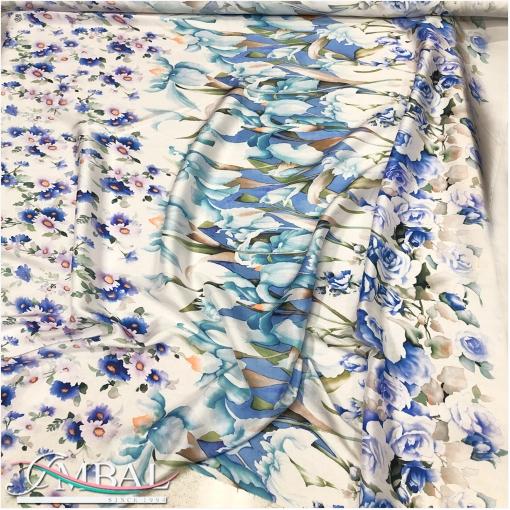 Шелк чесуча продольный цветочный купон розы и лилии в сине-белой гамме