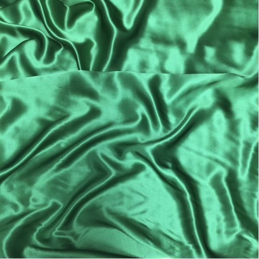 Шелк атласный ярко-зеленого травяного цвета