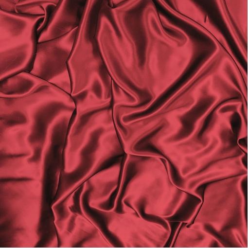 Шелк атласный насыщенного красного цвета