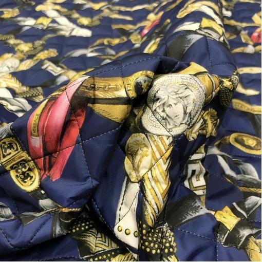Ткань курточная стеганная двухсторонняя принт Versace ремни и пряжки на синем фоне