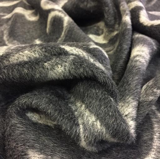 Ткань пальтовая с ворсом средне-серого цвета растительный орнамент