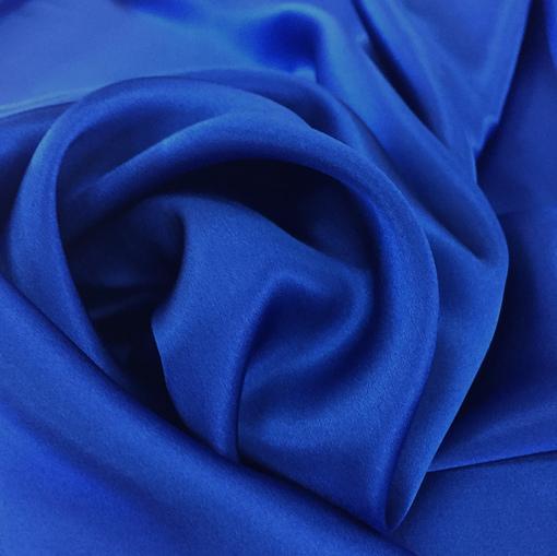Шелк атласный цвета ярко-синего цвета