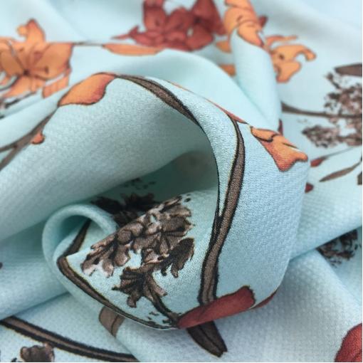 Вискоза плательная принт Bluemarine лилии на голубом фоне