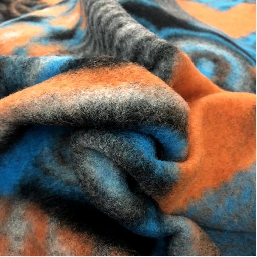 Лоден шерстяной дизайн Ferragamo геометрия в оранжево-голубых тонах