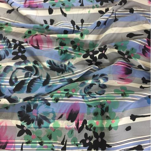 Жаккард нарядный принт Ferragamo цветы и полосы в сине-черной гамме