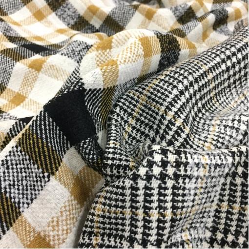 Ткань пальтовая двухсторонняя Louis Vuitton черно-белая с горчичными вкраплениями