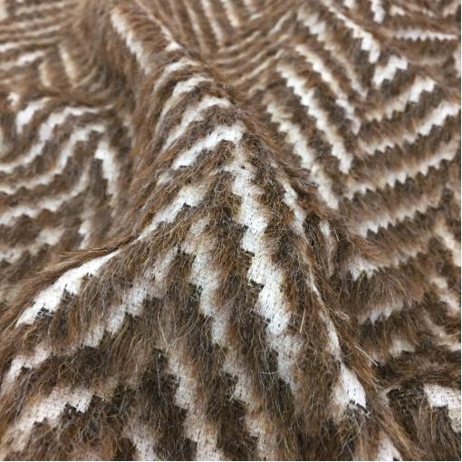 Ткань пальтовая Max Mara с меховой елочкой в шоколадных тонах