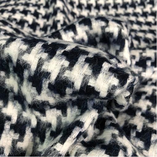 Ткань пальтово-костюмная плетеная дизайн Chanel сине-молочная гусиная лапка