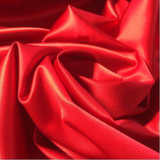 Шелк атласный непрозрачный сочного красного цвета