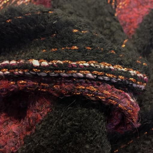 Шанель нарядная шерстяная с люрексом в свекольно-сиреневых тонах